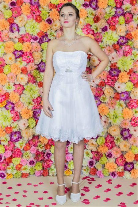 Suknia ślubna Model 515; Suknie ślubne, szycie miarowe, szycie na miarę, producent, suknia ślubna, moda ślubna, salon sukien ślubnych, suknie ślubne galeria, zdjęcia sukni ślubnych, krótkie suknie ślubne, długie suknie ślubne, klasyczne suknie ślubne, koronkowe suknie ślubne, suknia, ślub, zielona góra, panna młoda, wesele, żary, żagań, słubice, świebodzin, sulechów, krosno odrzańskie, nowogród bobrzański, gubin, nowa sól, lubuskie, dolnośląskie, Brautkleider, Hochzeitskleid, Brautmode, Brautkleid, Hochzeitskleider, mit Schleppe, Hochzeit , Hersteller, massgefertigte Brautkleider, Brautkleider nach Maß. Hochzeitsmode aus Polen, allen Größen, wedding, Polen, Zary, Guben, lausitz, Wedding dress, Cottbus, Dresden, Berlin, Anzüge, Rodzaje sukien ślubnych