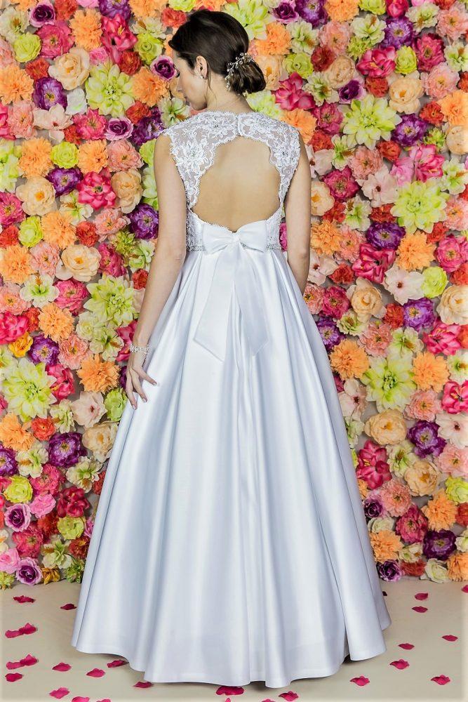 Suknia ślubna Model 519 tył; Suknie ślubne, szycie miarowe, szycie na miarę, producent, suknia ślubna, moda ślubna, salon sukien ślubnych, suknie ślubne galeria, zdjęcia sukni ślubnych, krótkie suknie ślubne, długie suknie ślubne, klasyczne suknie ślubne, koronkowe suknie ślubne, suknia, ślub, zielona góra, panna młoda, wesele, żary, żagań, słubice, świebodzin, sulechów, krosno odrzańskie, nowogród bobrzański, gubin, nowa sól, lubuskie, dolnośląskie, Brautkleider, Hochzeitskleid, Brautmode, Brautkleid, Hochzeitskleider, mit Schleppe, Hochzeit , Hersteller, massgefertigte Brautkleider, Brautkleider nach Maß. Hochzeitsmode aus Polen, allen Größen, wedding, Polen, Zary, Guben, lausitz, Wedding dress, Cottbus, Dresden, Berlin, Anzüge
