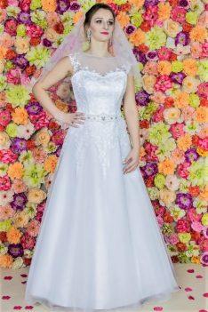Suknia ślubna Model 610; Suknie ślubne, szycie miarowe, szycie na miarę, producent, suknia ślubna, moda ślubna, salon sukien ślubnych, suknie ślubne galeria, zdjęcia sukni ślubnych, krótkie suknie ślubne, długie suknie ślubne, klasyczne suknie ślubne, koronkowe suknie ślubne, suknia, ślub, zielona góra, panna młoda, wesele, żary, żagań, słubice, świebodzin, sulechów, krosno odrzańskie, nowogród bobrzański, gubin, nowa sól, lubuskie, dolnośląskie, Brautkleider, Hochzeitskleid, Brautmode, Brautkleid, Hochzeitskleider, mit Schleppe, Hochzeit , Hersteller, massgefertigte Brautkleider, Brautkleider nach Maß. Hochzeitsmode aus Polen, allen Größen, wedding, Polen, Zary, Guben, lausitz, Wedding dress, Cottbus, Dresden, Berlin, Anzüge