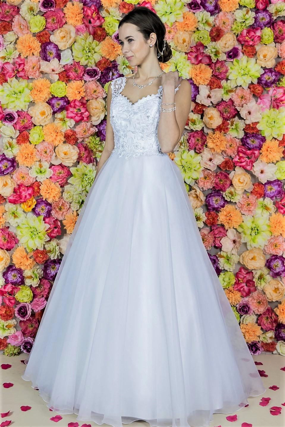 Suknia ślubna Model 613; Suknie ślubne, szycie miarowe, szycie na miarę, producent, suknia ślubna, moda ślubna, salon sukien ślubnych, suknie ślubne galeria, zdjęcia sukni ślubnych, krótkie suknie ślubne, długie suknie ślubne, klasyczne suknie ślubne, koronkowe suknie ślubne, suknia, ślub, zielona góra, panna młoda, wesele, żary, żagań, słubice, świebodzin, sulechów, krosno odrzańskie, nowogród bobrzański, gubin, nowa sól, lubuskie, dolnośląskie, Brautkleider, Hochzeitskleid, Brautmode, Brautkleid, Hochzeitskleider, mit Schleppe, Hochzeit , Hersteller, massgefertigte Brautkleider, Brautkleider nach Maß. Hochzeitsmode aus Polen, allen Größen, wedding, Polen, Zary, Guben, lausitz, Wedding dress, Cottbus, Dresden, Berlin, Anzüge