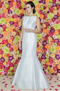 Suknia ślubna Model 619 ; Suknie ślubne, szycie miarowe, szycie na miarę, producent, suknia ślubna, moda ślubna, salon sukien ślubnych, suknie ślubne galeria, zdjęcia sukni ślubnych, krótkie suknie ślubne, długie suknie ślubne, klasyczne suknie ślubne, koronkowe suknie ślubne, suknia, ślub, zielona góra, panna młoda, wesele, żary, żagań, słubice, świebodzin, sulechów, krosno odrzańskie, nowogród bobrzański, gubin, nowa sól, lubuskie, dolnośląskie, Brautkleider, Hochzeitskleid, Brautmode, Brautkleid, Hochzeitskleider, mit Schleppe, Hochzeit , Hersteller, massgefertigte Brautkleider, Brautkleider nach Maß. Hochzeitsmode aus Polen, allen Größen, wedding, Polen, Zary, Guben, lausitz, Wedding dress, Cottbus, Dresden, Berlin, Anzüge