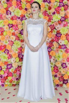 Suknia ślubna Model 720; Suknie ślubne, szycie miarowe, szycie na miarę, producent, suknia ślubna, moda ślubna, salon sukien ślubnych, suknie ślubne galeria, zdjęcia sukni ślubnych, krótkie suknie ślubne, długie suknie ślubne, klasyczne suknie ślubne, koronkowe suknie ślubne, suknia, ślub, zielona góra, panna młoda, wesele, żary, żagań, słubice, świebodzin, sulechów, krosno odrzańskie, nowogród bobrzański, gubin, nowa sól, lubuskie, dolnośląskie, Brautkleider, Hochzeitskleid, Brautmode, Brautkleid, Hochzeitskleider, mit Schleppe, Hochzeit , Hersteller, massgefertigte Brautkleider, Brautkleider nach Maß. Hochzeitsmode aus Polen, allen Größen, wedding, Polen, Zary, Guben, lausitz, Wedding dress, Cottbus, Dresden, Berlin, Anzüge