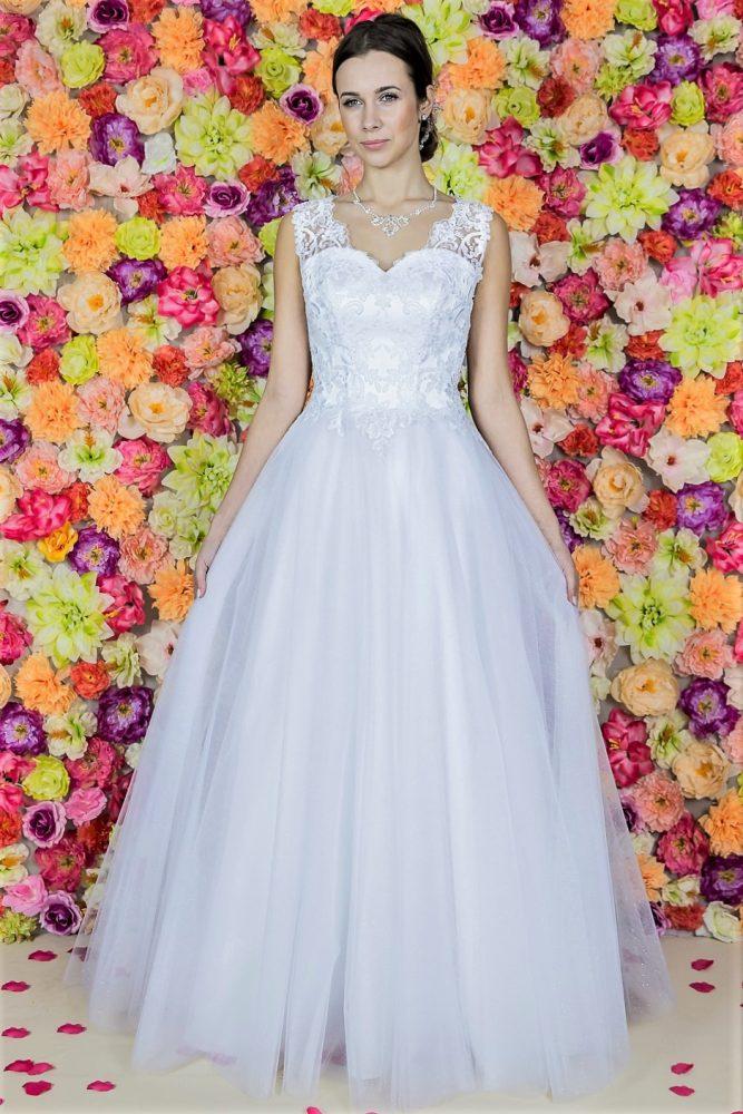 Suknia ślubna Model 811; Suknie ślubne, szycie miarowe, szycie na miarę, producent, suknia ślubna, moda ślubna, salon sukien ślubnych, suknie ślubne galeria, zdjęcia sukni ślubnych, krótkie suknie ślubne, długie suknie ślubne, klasyczne suknie ślubne, koronkowe suknie ślubne, suknia, ślub, zielona góra, panna młoda, wesele, żary, żagań, słubice, świebodzin, sulechów, krosno odrzańskie, nowogród bobrzański, gubin, nowa sól, lubuskie, dolnośląskie, Brautkleider, Hochzeitskleid, Brautmode, Brautkleid, Hochzeitskleider, mit Schleppe, Hochzeit , Hersteller, massgefertigte Brautkleider, Brautkleider nach Maß. Hochzeitsmode aus Polen, allen Größen, wedding, Polen, Zary, Guben, lausitz, Wedding dress, Cottbus, Dresden, Berlin, Anzüge