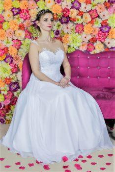 Suknia ślubna Model 812; Suknie ślubne, szycie miarowe, szycie na miarę, producent, suknia ślubna, moda ślubna, salon sukien ślubnych, suknie ślubne galeria, zdjęcia sukni ślubnych, krótkie suknie ślubne, długie suknie ślubne, klasyczne suknie ślubne, koronkowe suknie ślubne, suknia, ślub, zielona góra, panna młoda, wesele, żary, żagań, słubice, świebodzin, sulechów, krosno odrzańskie, nowogród bobrzański, gubin, nowa sól, lubuskie, dolnośląskie, Brautkleider, Hochzeitskleid, Brautmode, Brautkleid, Hochzeitskleider, mit Schleppe, Hochzeit , Hersteller, massgefertigte Brautkleider, Brautkleider nach Maß. Hochzeitsmode aus Polen, allen Größen, wedding, Polen, Zary, Guben, lausitz, Wedding dress, Cottbus, Dresden, Berlin, Anzüge
