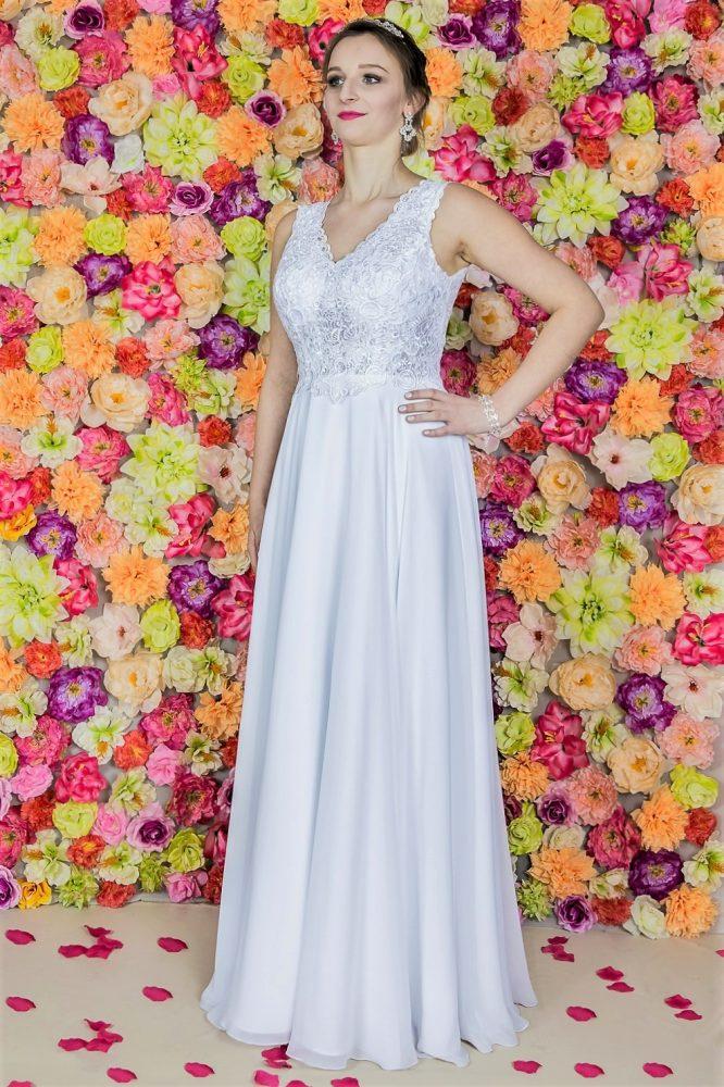 Suknia ślubna Model 813; Suknie ślubne, szycie miarowe, szycie na miarę, producent, suknia ślubna, moda ślubna, salon sukien ślubnych, suknie ślubne galeria, zdjęcia sukni ślubnych, krótkie suknie ślubne, długie suknie ślubne, klasyczne suknie ślubne, koronkowe suknie ślubne, suknia, ślub, zielona góra, panna młoda, wesele, żary, żagań, słubice, świebodzin, sulechów, krosno odrzańskie, nowogród bobrzański, gubin, nowa sól, lubuskie, dolnośląskie, Brautkleider, Hochzeitskleid, Brautmode, Brautkleid, Hochzeitskleider, mit Schleppe, Hochzeit , Hersteller, massgefertigte Brautkleider, Brautkleider nach Maß. Hochzeitsmode aus Polen, allen Größen, wedding, Polen, Zary, Guben, lausitz, Wedding dress, Cottbus, Dresden, Berlin, Anzüge