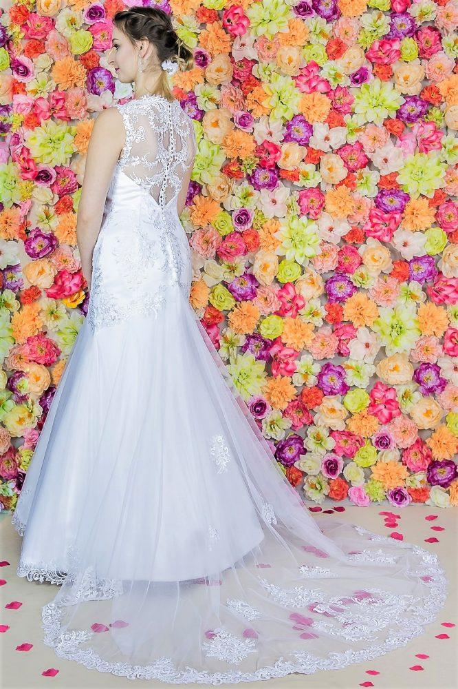 Suknia ślubna Model 816; Suknie ślubne, szycie miarowe, szycie na miarę, producent, suknia ślubna, moda ślubna, salon sukien ślubnych, suknie ślubne galeria, zdjęcia sukni ślubnych, krótkie suknie ślubne, długie suknie ślubne, klasyczne suknie ślubne, koronkowe suknie ślubne, suknia, ślub, zielona góra, panna młoda, wesele, żary, żagań, słubice, świebodzin, sulechów, krosno odrzańskie, nowogród bobrzański, gubin, nowa sól, lubuskie, dolnośląskie, Brautkleider, Hochzeitskleid, Brautmode, Brautkleid, Hochzeitskleider, mit Schleppe, Hochzeit , Hersteller, massgefertigte Brautkleider, Brautkleider nach Maß. Hochzeitsmode aus Polen, allen Größen, wedding, Polen, Zary, Guben, lausitz, Wedding dress, Cottbus, Dresden, Berlin, Anzüge