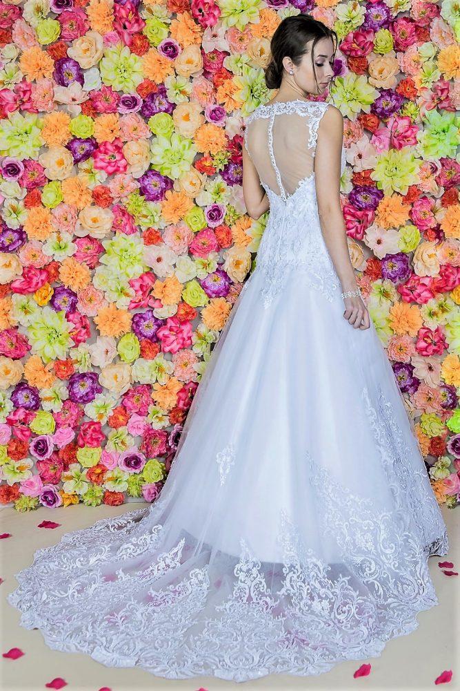 Suknia ślubna Model 819; Suknie ślubne, szycie miarowe, szycie na miarę, producent, suknia ślubna, moda ślubna, salon sukien ślubnych, suknie ślubne galeria, zdjęcia sukni ślubnych, krótkie suknie ślubne, długie suknie ślubne, klasyczne suknie ślubne, koronkowe suknie ślubne, suknia, ślub, zielona góra, panna młoda, wesele, żary, żagań, słubice, świebodzin, sulechów, krosno odrzańskie, nowogród bobrzański, gubin, nowa sól, lubuskie, dolnośląskie, Brautkleider, Hochzeitskleid, Brautmode, Brautkleid, Hochzeitskleider, mit Schleppe, Hochzeit , Hersteller, massgefertigte Brautkleider, Brautkleider nach Maß. Hochzeitsmode aus Polen, allen Größen, wedding, Polen, Zary, Guben, lausitz, Wedding dress, Cottbus, Dresden, Berlin, Anzüge