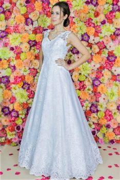 Suknia ślubna Model 821; Suknie ślubne, szycie miarowe, szycie na miarę, producent, suknia ślubna, moda ślubna, salon sukien ślubnych, suknie ślubne galeria, zdjęcia sukni ślubnych, krótkie suknie ślubne, długie suknie ślubne, klasyczne suknie ślubne, koronkowe suknie ślubne, suknia, ślub, zielona góra, panna młoda, wesele, żary, żagań, słubice, świebodzin, sulechów, krosno odrzańskie, nowogród bobrzański, gubin, nowa sól, lubuskie, dolnośląskie, Brautkleider, Hochzeitskleid, Brautmode, Brautkleid, Hochzeitskleider, mit Schleppe, Hochzeit , Hersteller, massgefertigte Brautkleider, Brautkleider nach Maß. Hochzeitsmode aus Polen, allen Größen, wedding, Polen, Zary, Guben, lausitz, Wedding dress, Cottbus, Dresden, Berlin, Anzüge, Rodzaje sukien ślubnych
