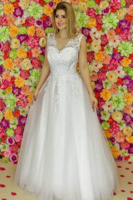 Suknia ślubna Model 912; Suknie ślubne, suknie ślubne szyte na miare, suknie ślubne na wymiar, suknie slubne duze rozmiary, suknia ślubna z rękawem 3/4, suknie ślubne szyte na miarę, producent sukni ślubnych, producent sukien ślubnych, szycie miarowe, szycie na miarę, producent, suknia ślubna, moda ślubna, salon sukien ślubnych, suknie ślubne galeria, zdjęcia sukni ślubnych, krótkie suknie ślubne, długie suknie ślubne, klasyczne suknie ślubne, koronkowe suknie ślubne, suknia, ślub, zielona góra, panna młoda, wesele, żary, żagań, słubice, świebodzin, sulechów, krosno odrzańskie, nowogród bobrzański, gubin, nowa sól, lubuskie, dolnośląskie, Rodzaje sukien ślubnych