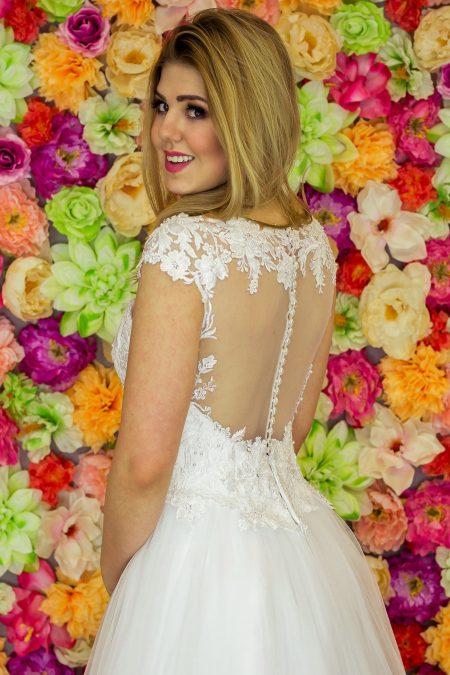 Suknia ślubna Model 913; Suknie ślubne, suknie ślubne szyte na miare, suknie ślubne na wymiar, suknie slubne duze rozmiary, suknia ślubna z rękawem 3/4, suknie ślubne szyte na miarę, producent sukni ślubnych, producent sukien ślubnych, szycie miarowe, szycie na miarę, producent, suknia ślubna, moda ślubna, salon sukien ślubnych, suknie ślubne galeria, zdjęcia sukni ślubnych, krótkie suknie ślubne, długie suknie ślubne, klasyczne suknie ślubne, koronkowe suknie ślubne, suknia, ślub, zielona góra, panna młoda, wesele, żary, żagań, słubice, świebodzin, sulechów, krosno odrzańskie, nowogród bobrzański, gubin, nowa sól, lubuskie, dolnośląskie, Rodzaje sukien ślubnych