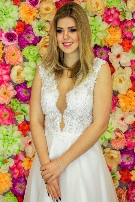 Suknia ślubna Model 916; Suknie ślubne, suknie ślubne szyte na miare, suknie ślubne na wymiar, suknie slubne duze rozmiary, suknia ślubna z rękawem 3/4, suknie ślubne szyte na miarę, producent sukni ślubnych, producent sukien ślubnych, szycie miarowe, szycie na miarę, producent, suknia ślubna, moda ślubna, salon sukien ślubnych, suknie ślubne galeria, zdjęcia sukni ślubnych, krótkie suknie ślubne, długie suknie ślubne, klasyczne suknie ślubne, koronkowe suknie ślubne, suknia, ślub, zielona góra, panna młoda, wesele, żary, żagań, słubice, świebodzin, sulechów, krosno odrzańskie, nowogród bobrzański, gubin, nowa sól, lubuskie, dolnośląskie, Rodzaje sukien ślubnych