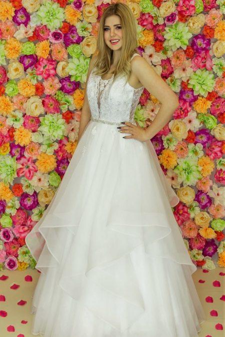Suknia ślubna Model 917; Suknie ślubne, suknie ślubne szyte na miare, suknie ślubne na wymiar, suknie slubne duze rozmiary, suknia ślubna z rękawem 3/4, suknie ślubne szyte na miarę, producent sukni ślubnych, producent sukien ślubnych, szycie miarowe, szycie na miarę, producent, suknia ślubna, moda ślubna, salon sukien ślubnych, suknie ślubne galeria, zdjęcia sukni ślubnych, krótkie suknie ślubne, długie suknie ślubne, klasyczne suknie ślubne, koronkowe suknie ślubne, suknia, ślub, zielona góra, panna młoda, wesele, żary, żagań, słubice, świebodzin, sulechów, krosno odrzańskie, nowogród bobrzański, gubin, nowa sól, lubuskie, dolnośląskie, Rodzaje sukien ślubnych