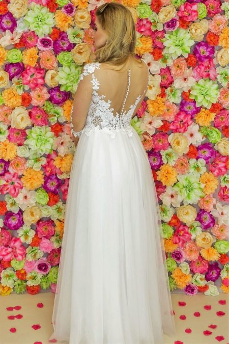 Suknia ślubna Model 919; Suknie ślubne, suknie ślubne szyte na miare, suknie ślubne na wymiar, suknie slubne duze rozmiary, suknia ślubna z rękawem 3/4, suknie ślubne szyte na miarę, producent sukni ślubnych, producent sukien ślubnych, szycie miarowe, szycie na miarę, producent, suknia ślubna, moda ślubna, salon sukien ślubnych, suknie ślubne galeria, zdjęcia sukni ślubnych, krótkie suknie ślubne, długie suknie ślubne, klasyczne suknie ślubne, koronkowe suknie ślubne, suknia, ślub, zielona góra, panna młoda, wesele, żary, żagań, słubice, świebodzin, sulechów, krosno odrzańskie, nowogród bobrzański, gubin, nowa sól, lubuskie, dolnośląskie, Rodzaje sukien ślubnych