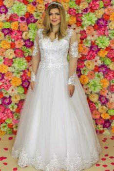 Suknia ślubna Model 920; Suknie ślubne, szycie miarowe, szycie na miarę, producent, suknia ślubna, moda ślubna, salon sukien ślubnych, suknie ślubne galeria, zdjęcia sukni ślubnych, krótkie suknie ślubne, długie suknie ślubne, klasyczne suknie ślubne, koronkowe suknie ślubne, suknia, ślub, zielona góra, panna młoda, wesele, żary, żagań, słubice, świebodzin, sulechów, krosno odrzańskie, nowogród bobrzański, gubin, nowa sól, lubuskie, dolnośląskie, Rodzaje sukien ślubnych