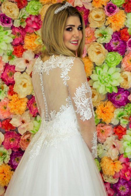 Suknia ślubna Model 920; Suknie ślubne, suknie ślubne szyte na miare, suknie ślubne na wymiar, suknie slubne duze rozmiary, suknia ślubna z rękawem 3/4, suknie ślubne szyte na miarę, producent sukni ślubnych, producent sukien ślubnych, szycie miarowe, szycie na miarę, producent, suknia ślubna, moda ślubna, salon sukien ślubnych, suknie ślubne galeria, zdjęcia sukni ślubnych, krótkie suknie ślubne, długie suknie ślubne, klasyczne suknie ślubne, koronkowe suknie ślubne, suknia, ślub, zielona góra, panna młoda, wesele, żary, żagań, słubice, świebodzin, sulechów, krosno odrzańskie, nowogród bobrzański, gubin, nowa sól, lubuskie, dolnośląskie, Rodzaje sukien ślubnych