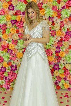 Suknia ślubna Model 921; Suknie ślubne, szycie miarowe, szycie na miarę, producent, suknia ślubna, moda ślubna, salon sukien ślubnych, suknie ślubne galeria, zdjęcia sukni ślubnych, krótkie suknie ślubne, długie suknie ślubne, klasyczne suknie ślubne, koronkowe suknie ślubne, suknia, ślub, zielona góra, panna młoda, wesele, żary, żagań, słubice, świebodzin, sulechów, krosno odrzańskie, nowogród bobrzański, gubin, nowa sól, lubuskie, dolnośląskie, Rodzaje sukien ślubnych