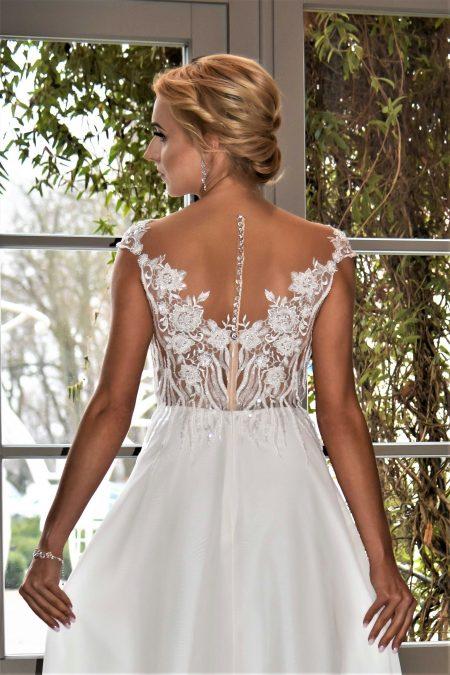 Suknia ślubna Model 011