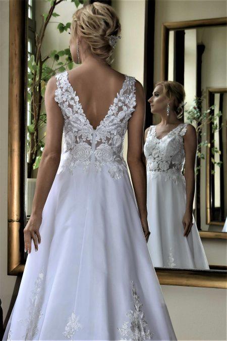 Suknia ślubna Model 013