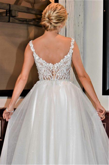 Suknia ślubna Model 019